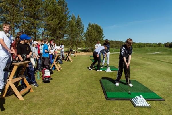 Свердловские любители гольфа соберут деньги на нужды Верхотурского детского дома