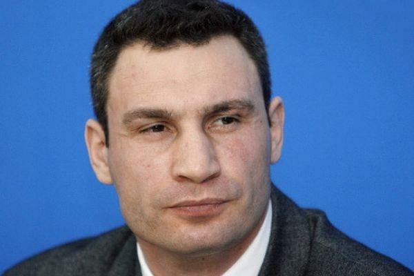 Виталий Кличко в поздравительной речи перепутал имя и возраст солиста группы «Океан Эльзы»