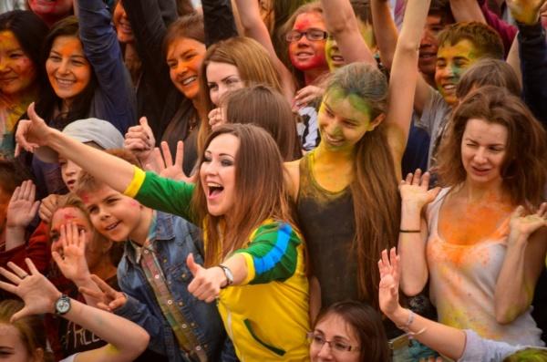 Сотни жителей Тюмени приняли участие  в красочном забеге