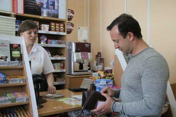 Депутат Коробейников нашел некачественное топливо на екатеринбургских АЗС и просит прокуратуру наведаться на автозаправки