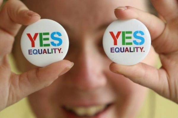 Жители Ирландии на референдуме проголосовали за легализацию однополых браков