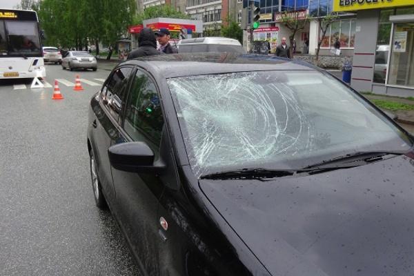 В воскресенье на Юго-Западе Екатеринбурга под колесами автомобилистов пострадали два пешехода