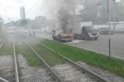 У Железнодорожного вокзала в плотном потоке машин сгорела «Волга»