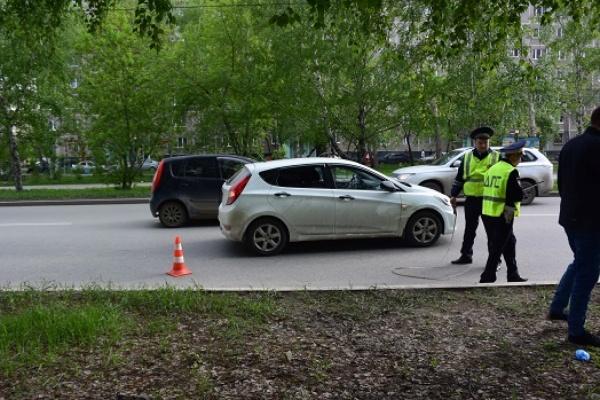 В Верх-Исетском районе Екатеринбурга водитель иномарки сбил несовершеннолетнего ребенка