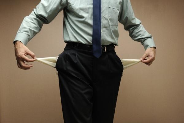 Работника могут разрешить инициировать банкротство компаний при задержке зарплаты