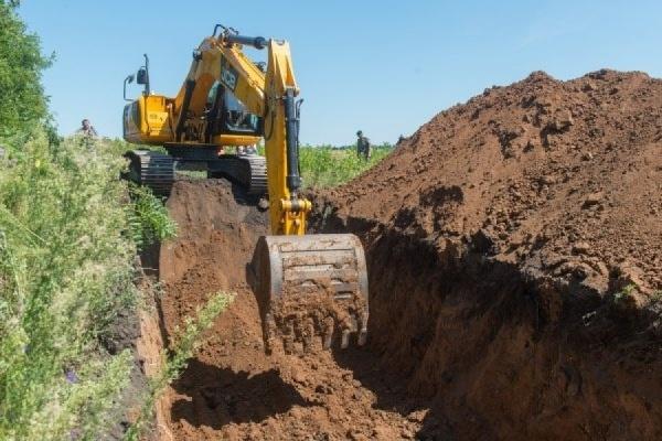 На российско-украинской границе выкопали ров