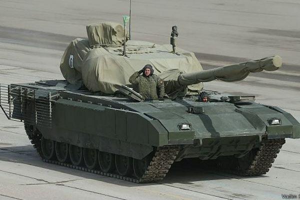 Испытания нового российского танка Т-14 «Армата» продлятся еще год