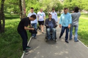 Свердловский депутат проверил, легко ли живется екатеринбургским инвалидам