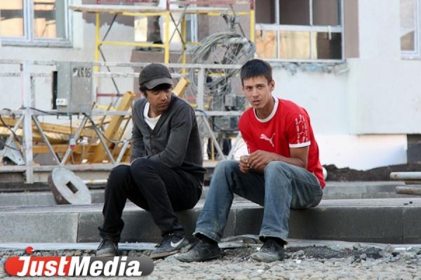 Двадцать семь мигрантов оказались в полиции после проверок на овощебазе №4