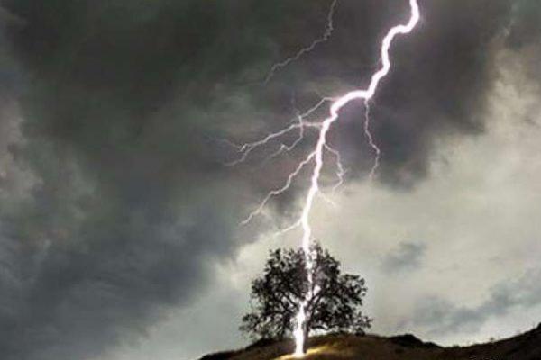 На острове Крит от удара молнии пострадали 15 российских туристов