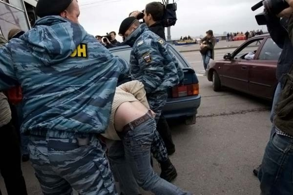 В центре Москвы прошел несанкционированный гей-парад