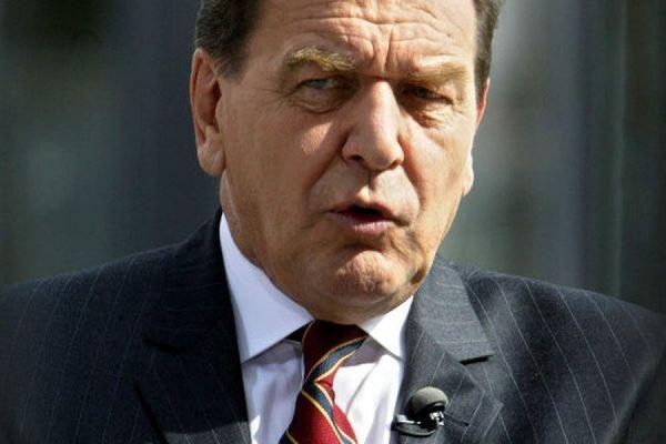 Герхард Шредер назвал ошибкой решение не приглашать Путина на саммит G7