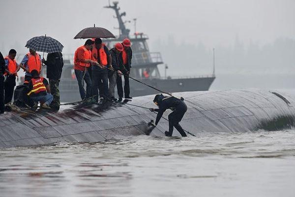 Путин выразил соболезнования Си Цзиньпину в связи с крушением теплохода на реке Янцзы