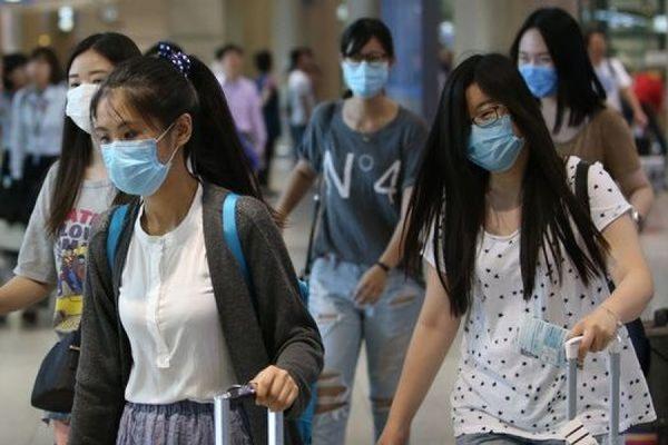 Тысячи туристов отменили свои поездки в Южную Корею из-за вспышки опасного коронавируса