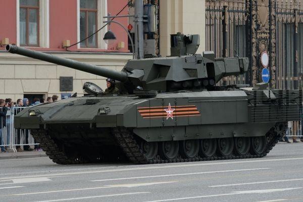 Покупкой боевой машины пехоты и танка «Армата» заинтересовались Индия и Китай