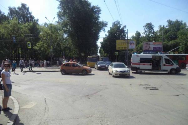 Во Втузгородке юная автоледи переехала насмерть дедушку