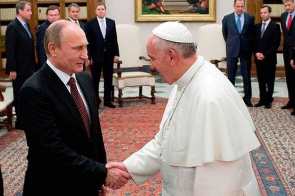 Папа римский может встретиться с Путиным в Ватикане 10 июня