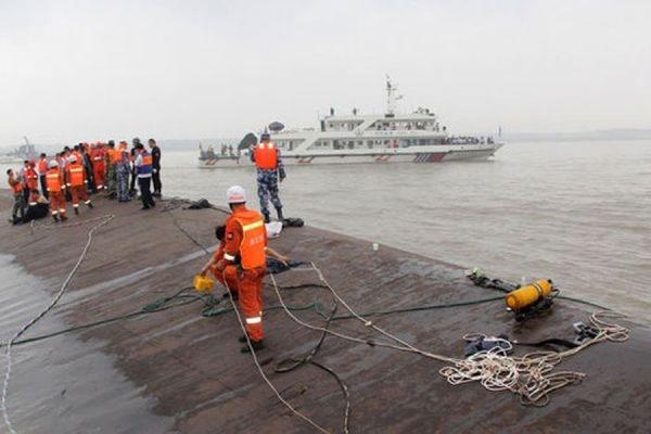 Число жертв кораблекрушения на реке Янцзы в Китае достигло 431
