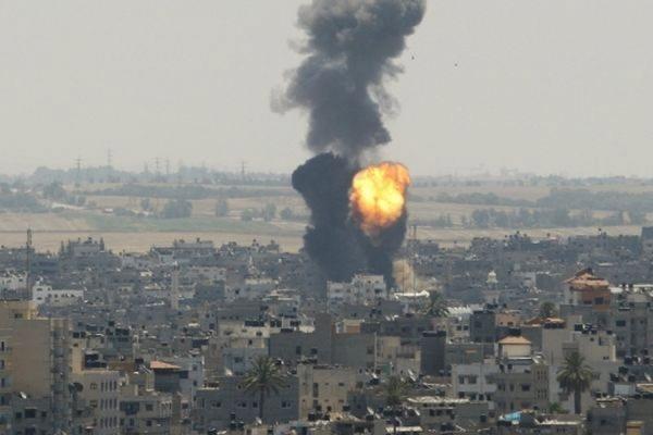Израиль нанес авиаудар по сектору Газа в ответ на обстрел палестинских боевиков