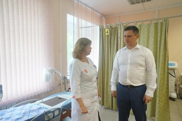 Высокопоставленному чиновнику МВД России показали обновленный ведомственный госпиталь в Екатеринбурге