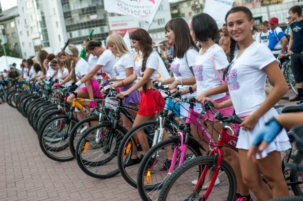 На Плотинке пройдет вело-экзамен для уральских красавиц