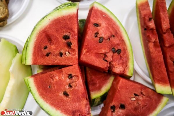 На Средний Урал завезли 330 тонн фруктов из Ближнего зарубежья