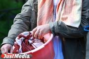 Жители Сухого Лога из-за многомиллионных долгов за газ уже почти месяц моются в тазиках