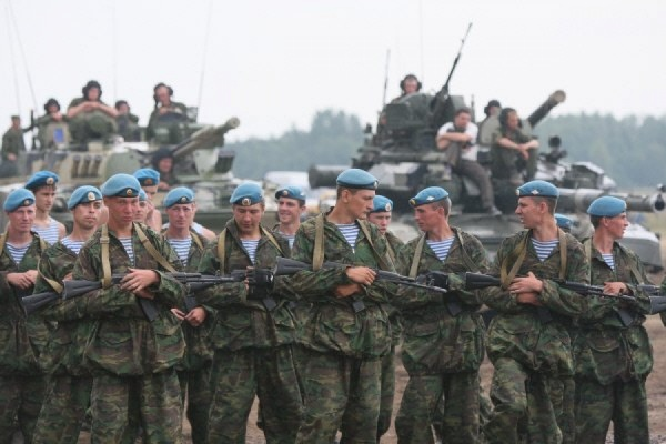 Десантники и военная техника подняты по тревоге на учения в Забайкалье