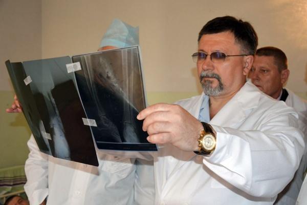Главный хирург МВД России осмотрел полицейский госпиталь и прочел лекцию студентам-медикам
