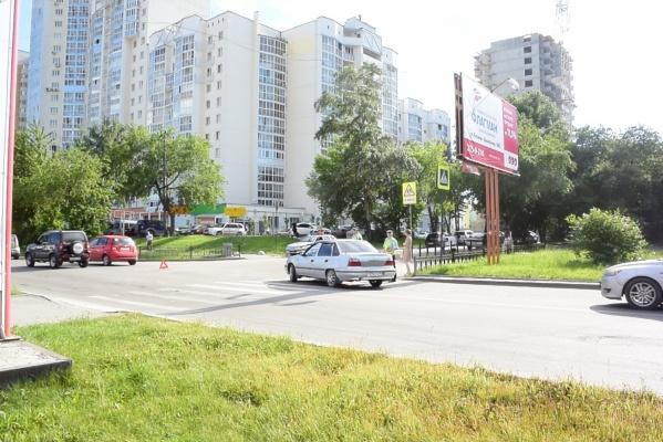В Екатеринбурге женщина-водитель сбила 7-летнюю девочку