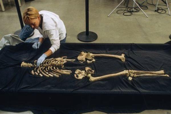 Американские индейцы требуют от властей США вернуть им скелет предка возрастом 9 тыс. лет