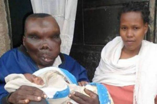 Обладатель титула «самый уродливый мужчина Уганды» стал отцом в восьмой раз