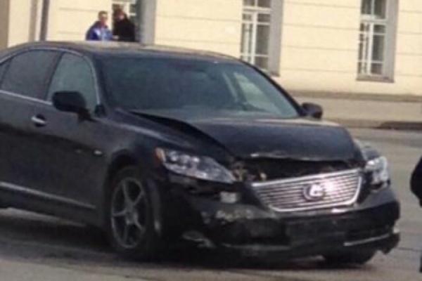 ГИБДД разобралась, кто виноват в аварии с участием автомобиля Тунгусова