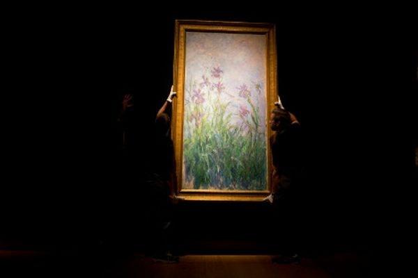 Картина «Сиреневые ирисы» Клода Моне продана на аукционе Christie's за 17 млн долларов