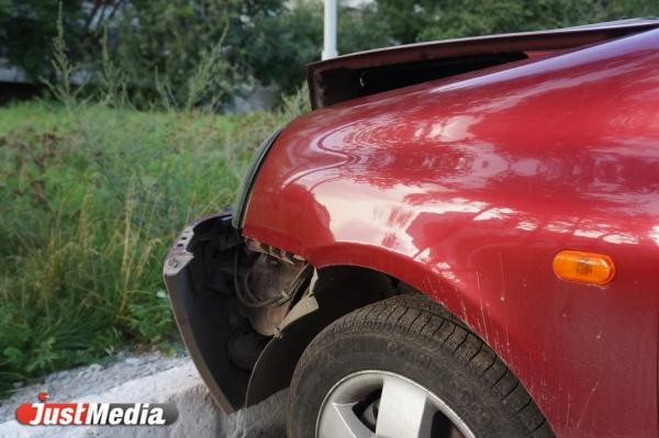 В Екатеринбурге женщина-водитель легковушки сбила пешехода