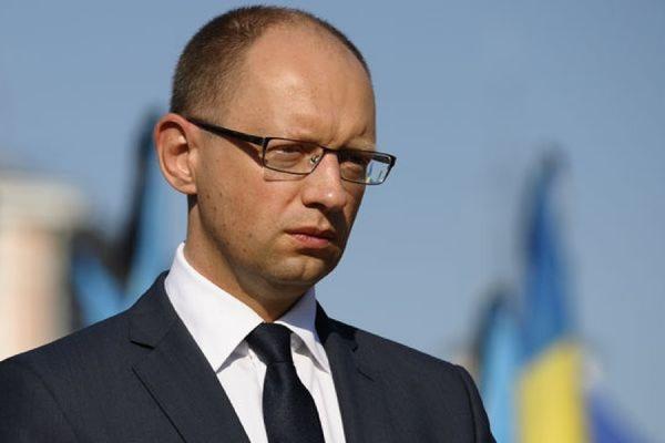 Арсений Яценюк сообщил, что Украина не способна обслуживать внешний долг