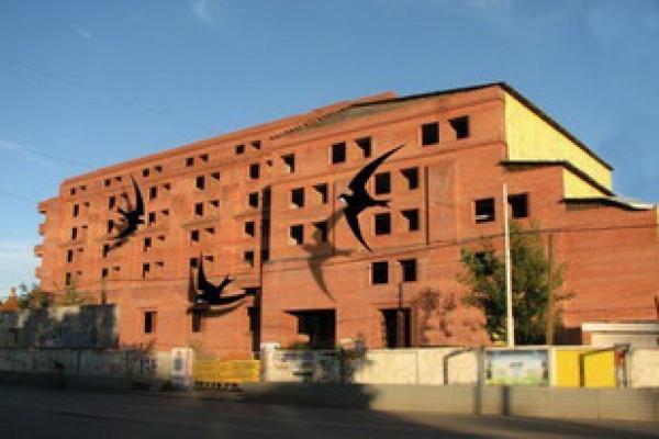 Заброшенная гостиница в центре Екатеринбурга превратится в ласточкино гнездо