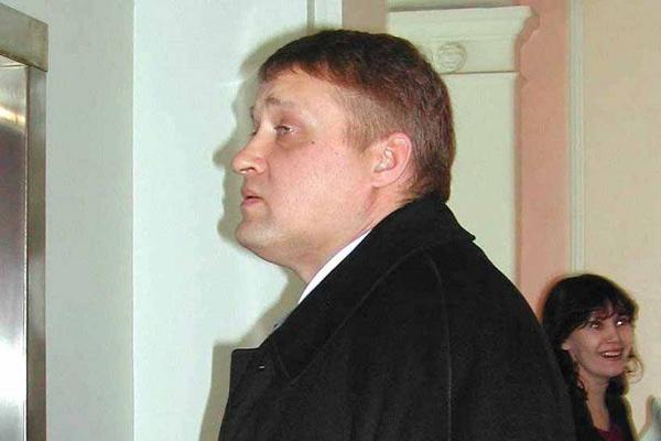 Куковякин поехал из Москвы в Екатеринбург на поезде в сопровождении вооруженных охранников