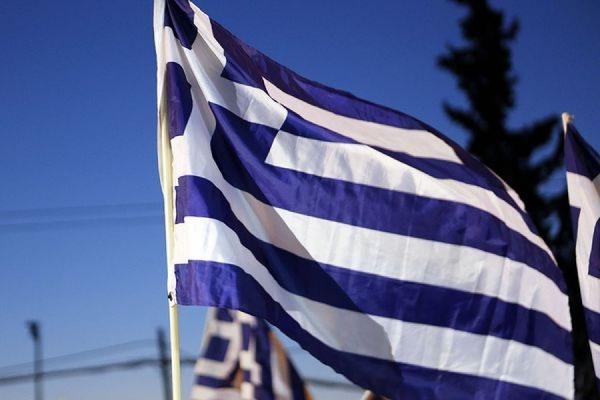 Греческий парламент одобрил проведение референдума 5 июля