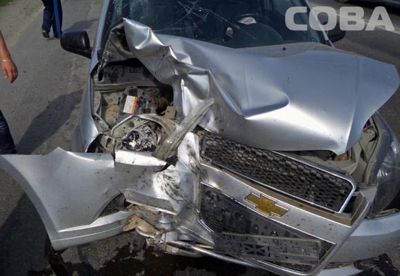 На ЕКАДе автолюбительница на Chevrolet перевернула трактор