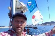 Депутат Артюх плавает по Средиземному морю под флагами «Опоры России» и «Партии пенсионеров»