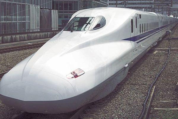 Пожар в японском скоростном поезде произошел из-за попытки самосожжения