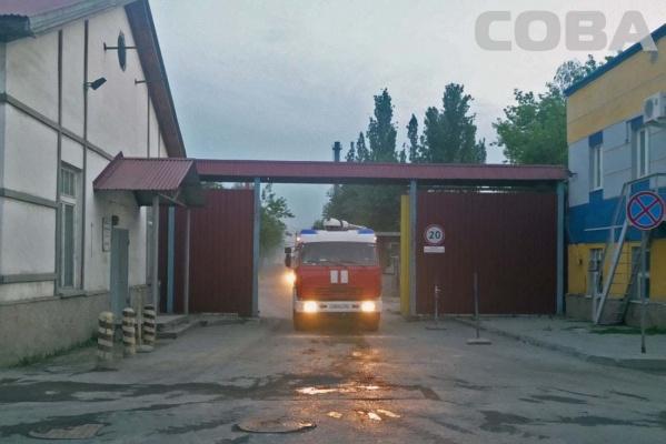 Во время пожара на заводе гипсовых изделий обгорел мужчина