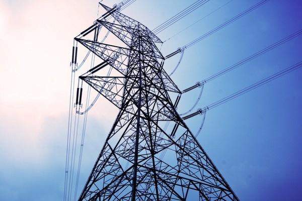 В Крыму электроэнергию пока не отключили