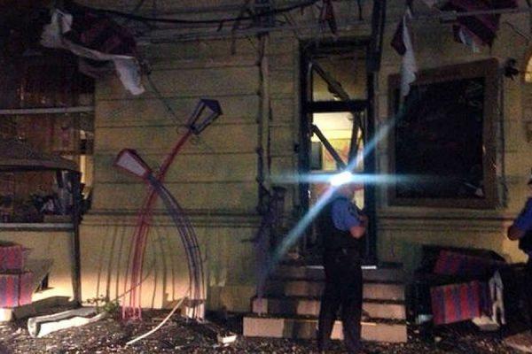 В ночь на четверг в центре Одессы произошел взрыв у двери в кафе