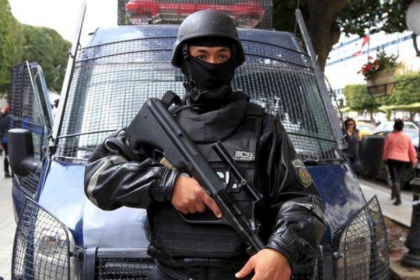 В Тунисе арестованы 12 подозреваемых в причастности к расстрелу иностранных туристов