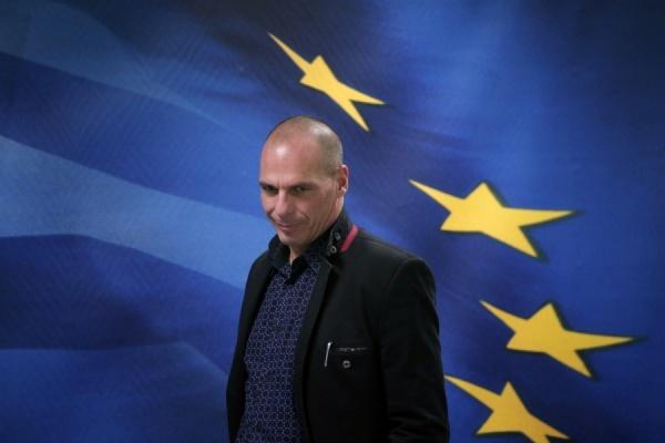 Министр финансов Греции подал в отставку после оглашения итогов референдума