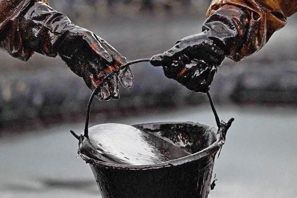 Цена на нефть марки Brent упала за день более чем на шесть процентов