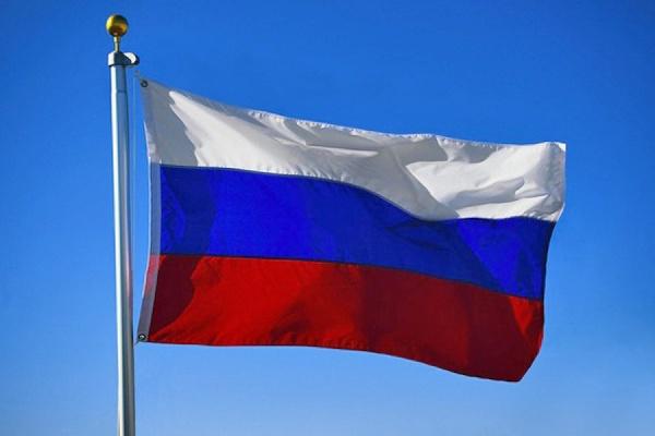 В центре Киева появились российские флаги