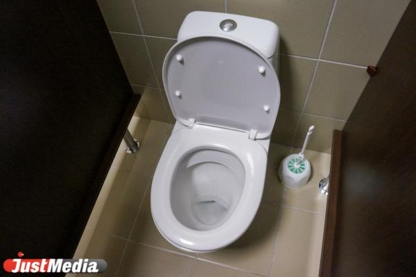 За долги за коммуналку свердловчанам начнут отключать канализацию